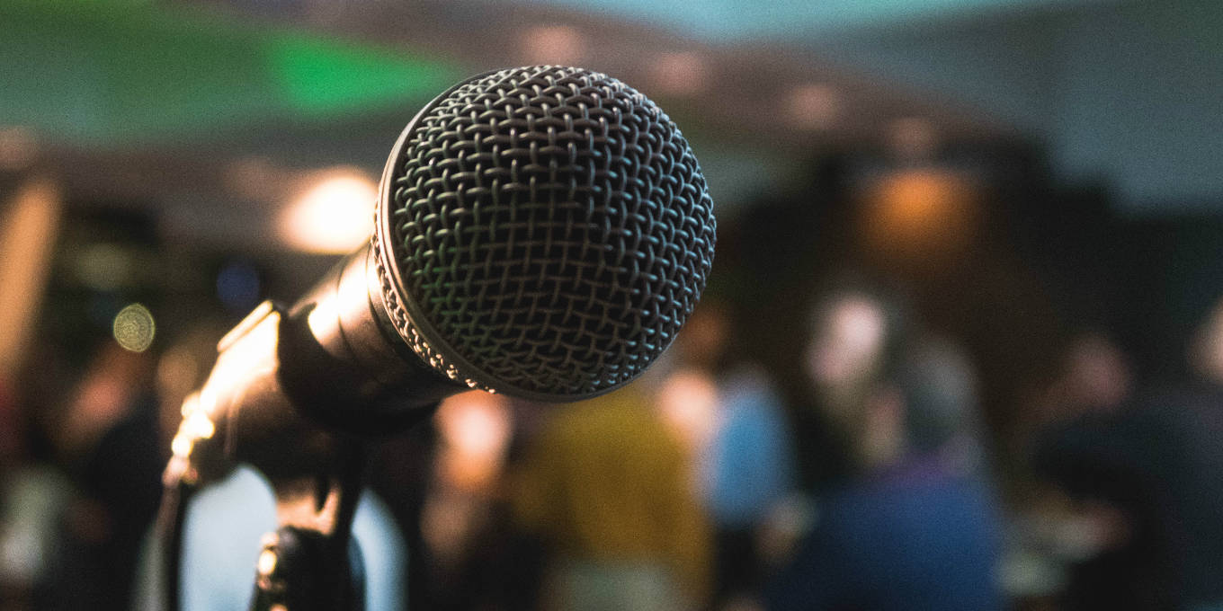 how-to-improve-your-public-speaking-featured