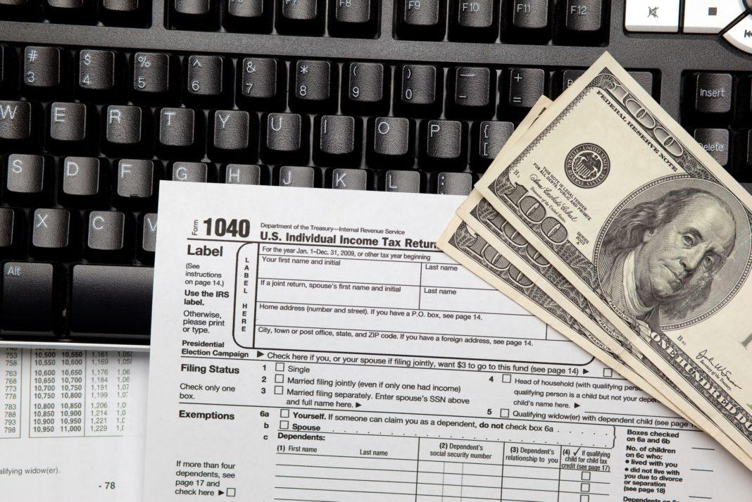 online-tax-preparation-software-1068x713